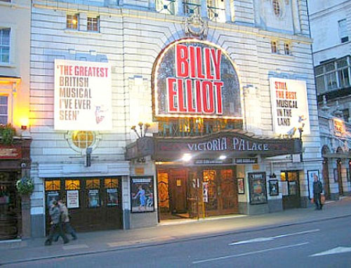 Hotels Near Victoria Palace Theatre