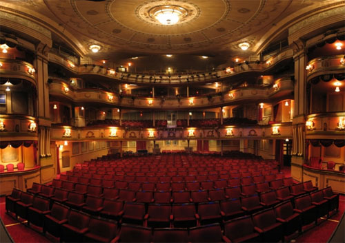 Theatre royal haymarket haymarket london sw1y 4ht for Interieur stage amsterdam